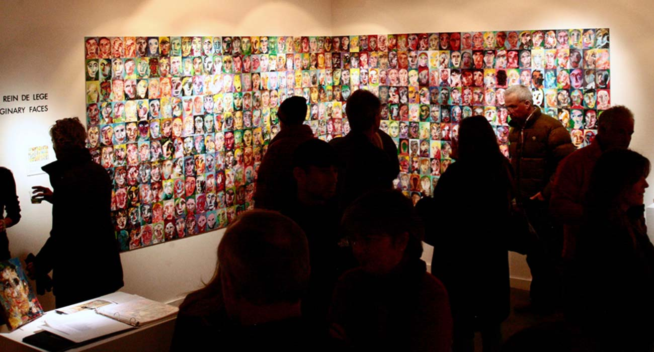 500 at an exhibition at an Art Gallery